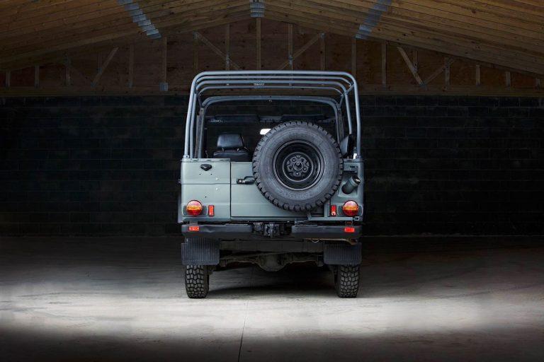 1A-004-Convertible-Mercedes-G-250-072894