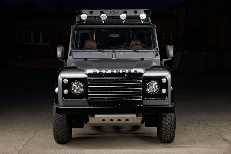 2A-004-Land-Rover-Defender-D90-460161