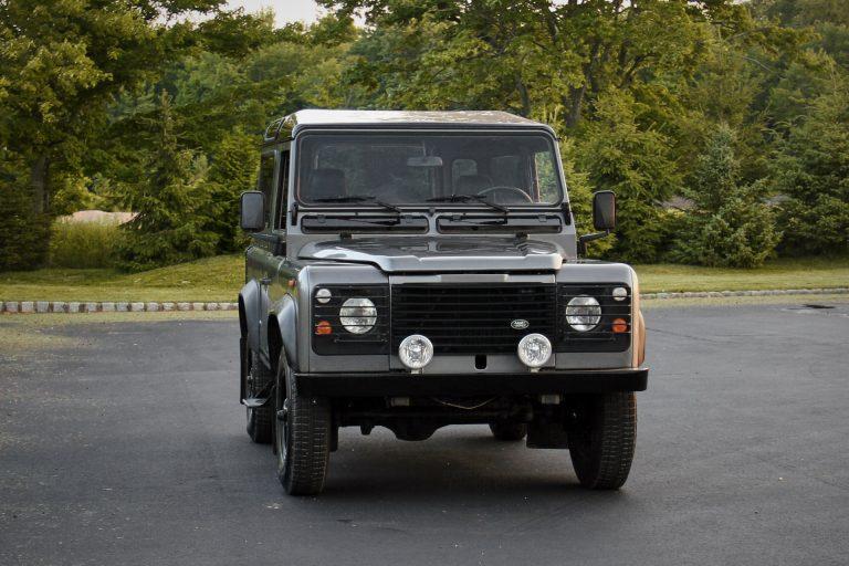 2A-011-Land-Rover-Defender-D90-393164
