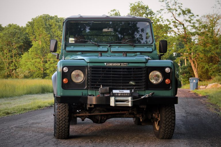 2B-011-Land-Rover-Defender-D90-284887