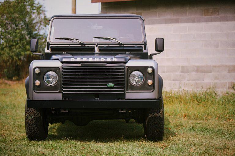 2B-019-Land-Rover-Defender-D90-378100
